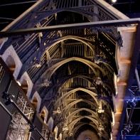 La structure du toit de la grande salle