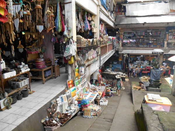 Le Ubud market, grand lieu de marchandage. D'ailleurs, à Bali, tout se marchande !